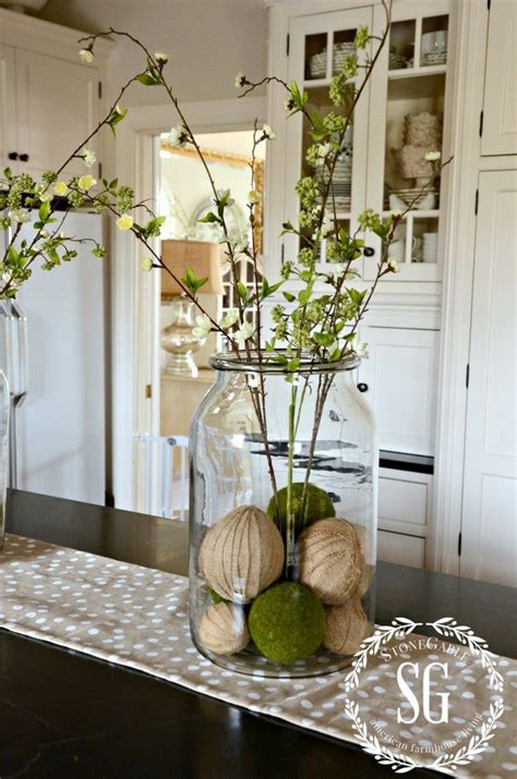 kitchen island centerpieces 17 best ideas about kitchen island centerpiece on