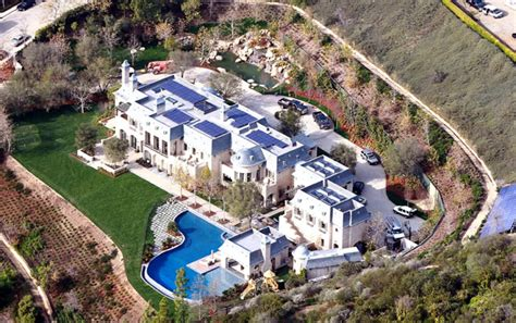 tom brady s new house tom gisele move into 20m dream home ny daily news