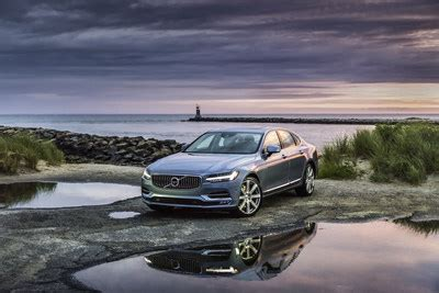 cnw volvo car canada  reports july sales