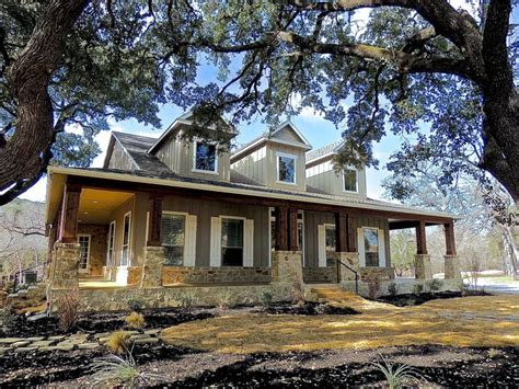 25 best ideas about hill country homes on