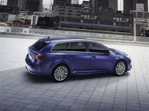 Toyota Avensis Gear by 2016 Toyota Avensis Review