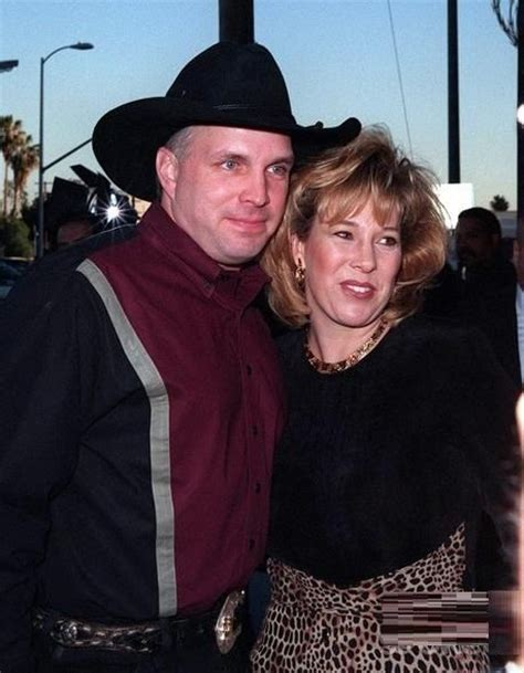 Is Garth Brooks Ex Sandy Mahl Brooks Still Alive | why garth brooks and trisha yearwood s marriage is