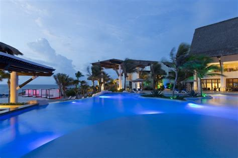 tulum beach hotels  luxury resorts  tulum mexico