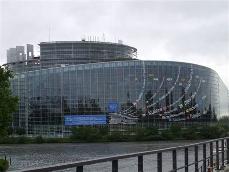 strasburgo sede parlamento europeo condividi la foto strasburgo sede parlament dall