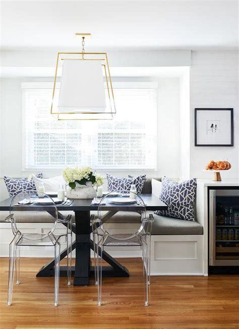 black  white bay window  built  banquette