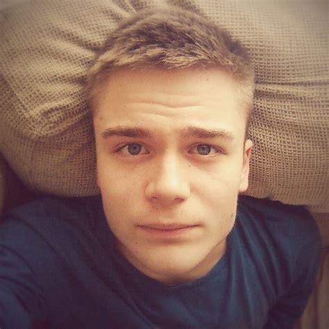cute average guy selfie cute guy selfie www pixshark com images galleries with