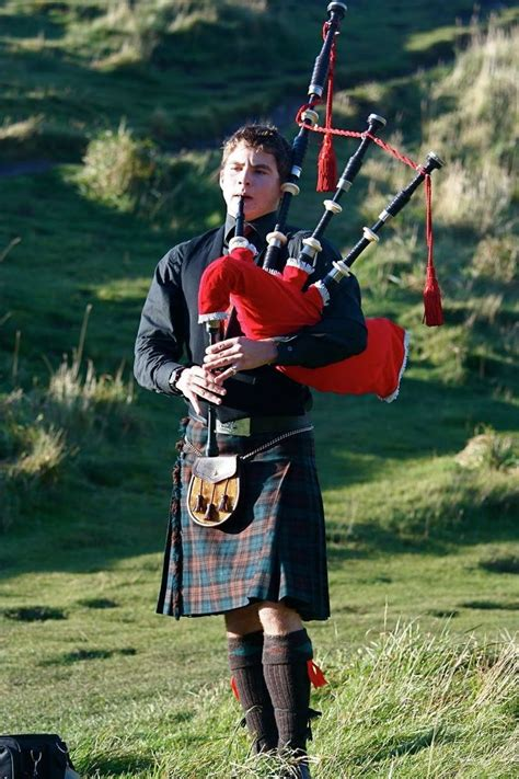 of books and bagpipes a scottish bookshop mystery books bagpiper masculine