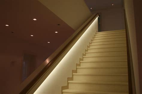 treppengeländer treppenhaus yarial indirekte beleuchtung foto interessante