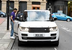 range rover cing amir khan shows personalised king khan edition range