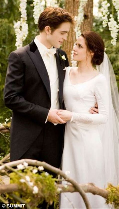 the ultimate twilight fans twi newlyweds change their surname to cullen after