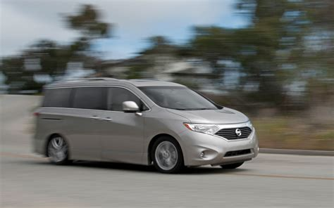 2012 nissan quest le side in motion photo 31