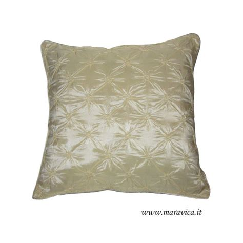 cuscini eleganti cuscino arredo elegante in taffet 224 di seta avorio capitonn 232