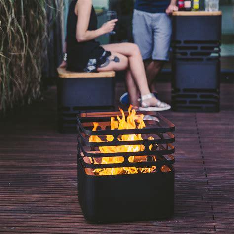 feuer im feuerkorb feuerkorb cube mit auflagebrett g 228 rtner p 246 tschke