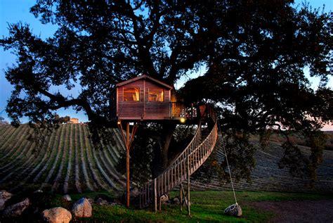 la piantata black cabin tree house hotel in italy la piantata suite bleue