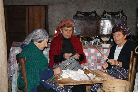 Flatshoes Rumpi a living nativity in sicily italy magazine
