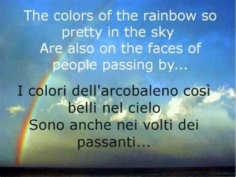 traduzione testo the rainbow somewhere the rainbow israel kamakawiwo ole