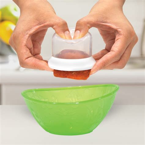 Munchkin Fresh Food Freezer Cup Baby Cubes Wadah Kaldu Puree Mpasi 28 munchkin fresh food freezer cupsmunchkin feeding food storage containers amman