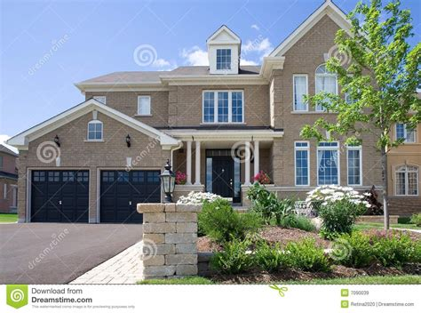 suburban house suburban house royalty free stock images image 7090039