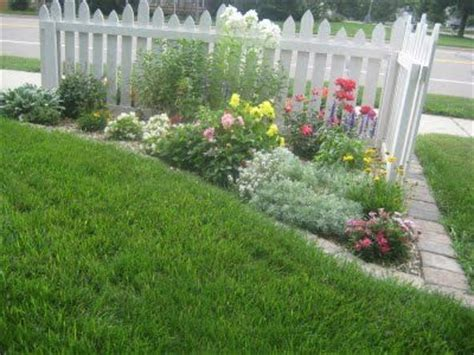 corner flower bed ideas corner of the driveway home ideas pinterest flower