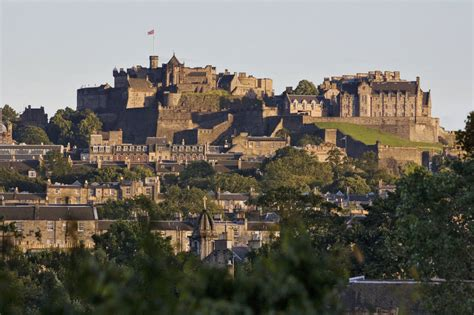 edinburgh the best of edinburgh for stay travel books edinburgh castle voted best heritage attraction in the