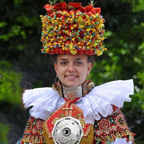 German Wedding Attire by 28 Stunning Pictures Of Traditional Wedding Attire From