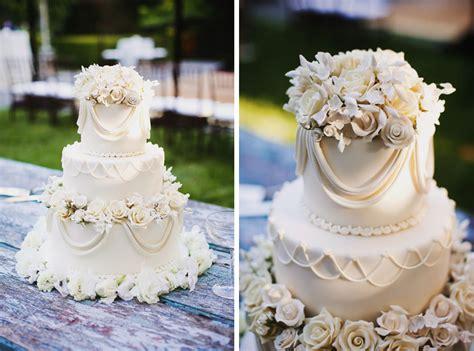 Backyard Wedding Cakes Backyard Wedding