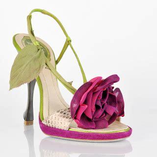 scarpe co dei fiori tra architettura e fiori ecco la primavera estate
