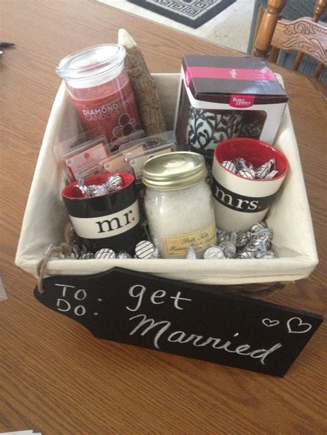 What Gift For A Bridal Shower by Pin By Kya On Wedding Ideas