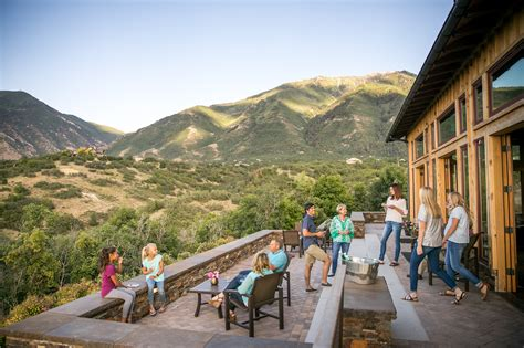 buy a mountain 10 reasons to buy a utah mountain home summit creek utah