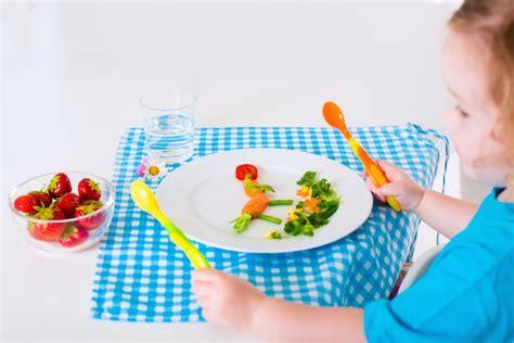 introduzione alimenti svezzamento svezzamento bambino la prima pappa novalac