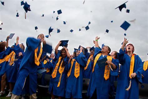 finish high school kitsap sun graduations class of 2011 bremerton high school