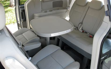 2009 chrysler town and country limited 2009 chrysler town and country limited rear seats photo 6