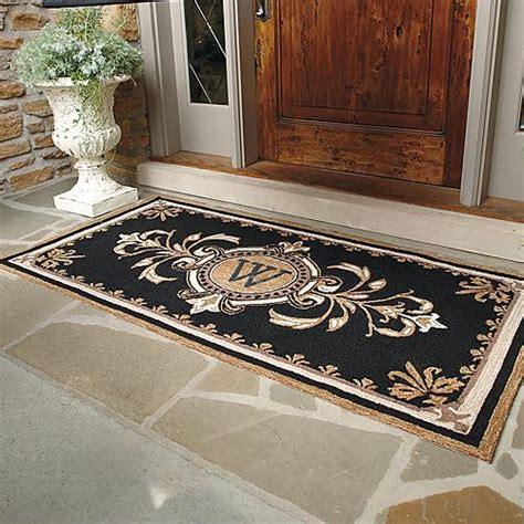 Monogrammed Front Door Mats Huntington Monogrammed Entry Mat Traditional Doormats By Frontgate