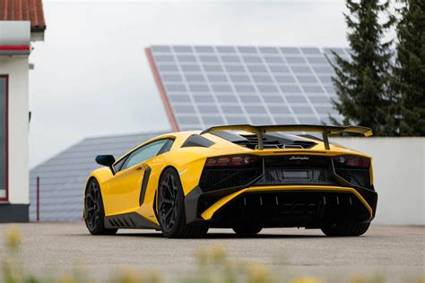Tuned Lamborghini This Novitec Tuned Lamborghini Aventador