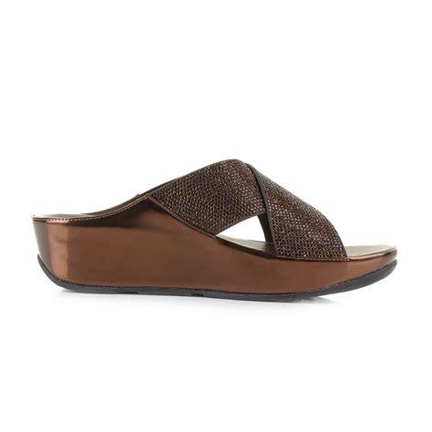 Sandal Wanita Fitflop Slide T3010 2 womens fitflop crystall slide bronze wedge metallic crossover sandals uk size ebay