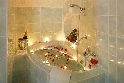 Kotak Tempat Sabun Mandi Kamar Mandi Portable Praktis A Murah model shower terbaru untuk kamar mandi kecil minimalis