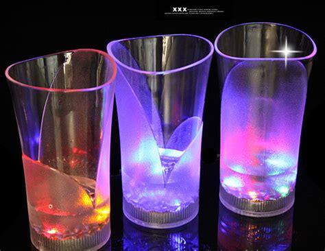 Murah Grosir Gelas Nyala Gelas Unik gelas nyala sensor air unik magic ukuran besar 325