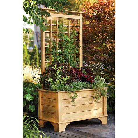 planter box and trellis woodworking plan from wood magazine