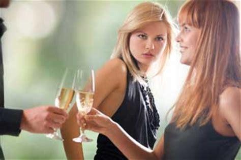 dossier la jalousie entre femmes angela leroy medium - Jalousie Entre Femmes