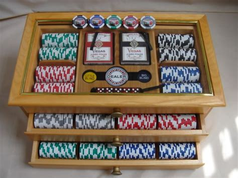 poker chip case poker table poker chips poker chips