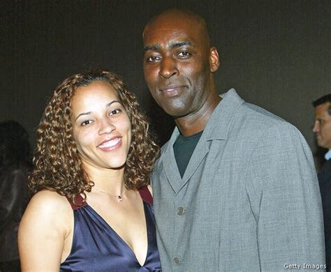 michael jace actor on the shield charged in shooting actor michael jace booked called police saying i shot my