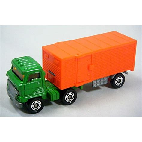 New Item Tomica No 55 Diecast Miniatur Truck Isuzu Giga Fried Potato tomica hino semi cab with no24 panel trailer global diecast direct