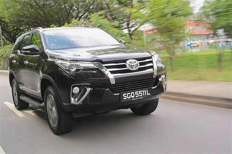 Toyota Singapore Toyota Fortuner Review Fortuner Favours The Bold