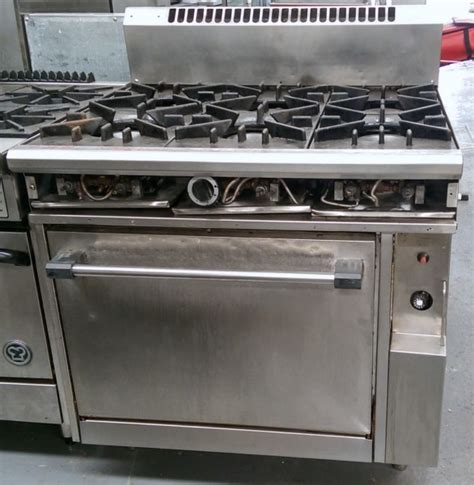 Commercial Kitchen Range comcater 6 burner oven range used commercial kitchen