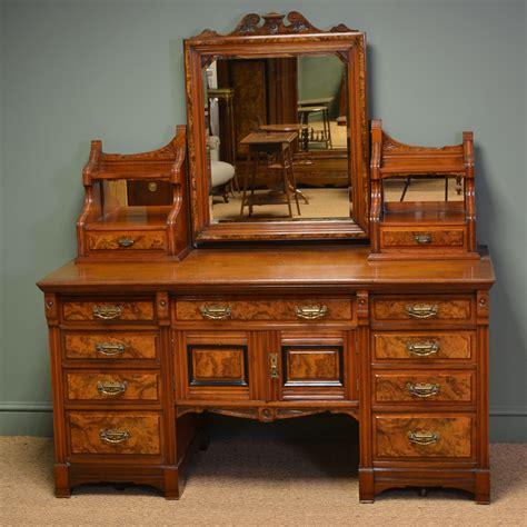 dressing table large figured walnut antique dressing table