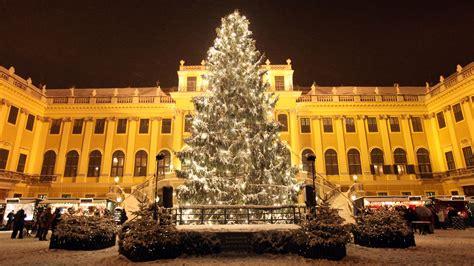 weihnachtsbaum wien weihnachtsmarkt schloss sch 246 nbrunn advent im kaiserlichen