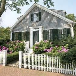 Define Curb Appeal - why wood all about wood fences this old house