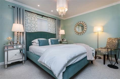 35  Master Bedrooms with Chandelier Lighting (Photos)