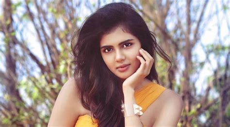 hello telugu film actress hello beauty signs one more telugu film teluguodu