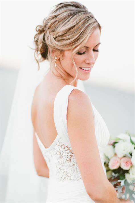 Wedding Appropriate Hairstyles by 35 Attractive Summer Wedding Hairstyles Inspiration Wohh